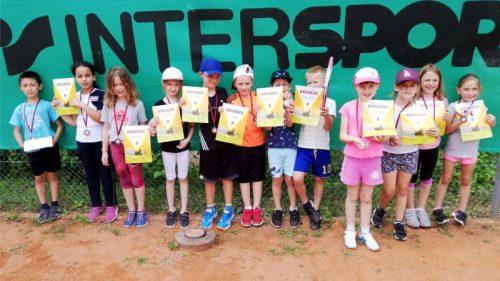 Kooperation Tennis- Schule im Buch